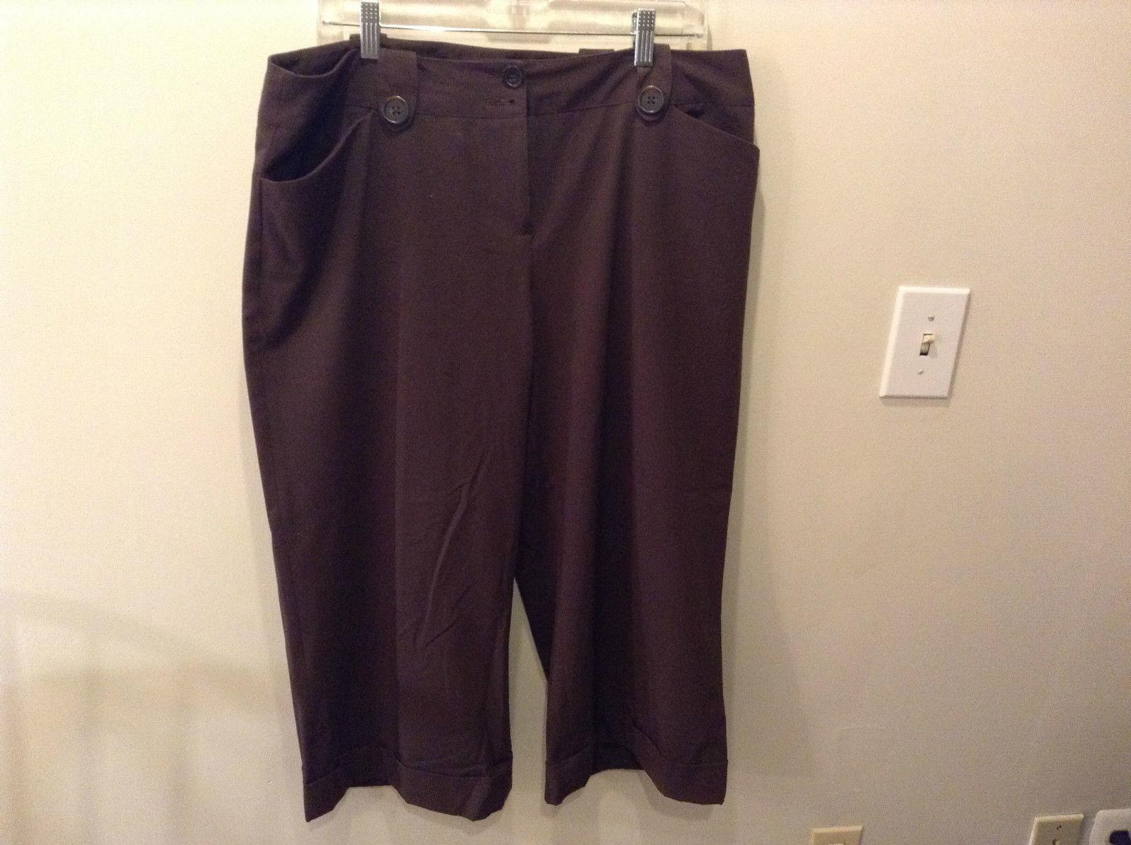 Chocolate Brown Apt 9 Capri Pants Size 16  Front Pockets Zipper Button Closure