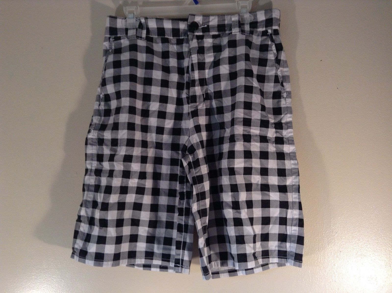 Chor 100 Percent Cotton Size 30 Black and White Checkered Casual Shorts