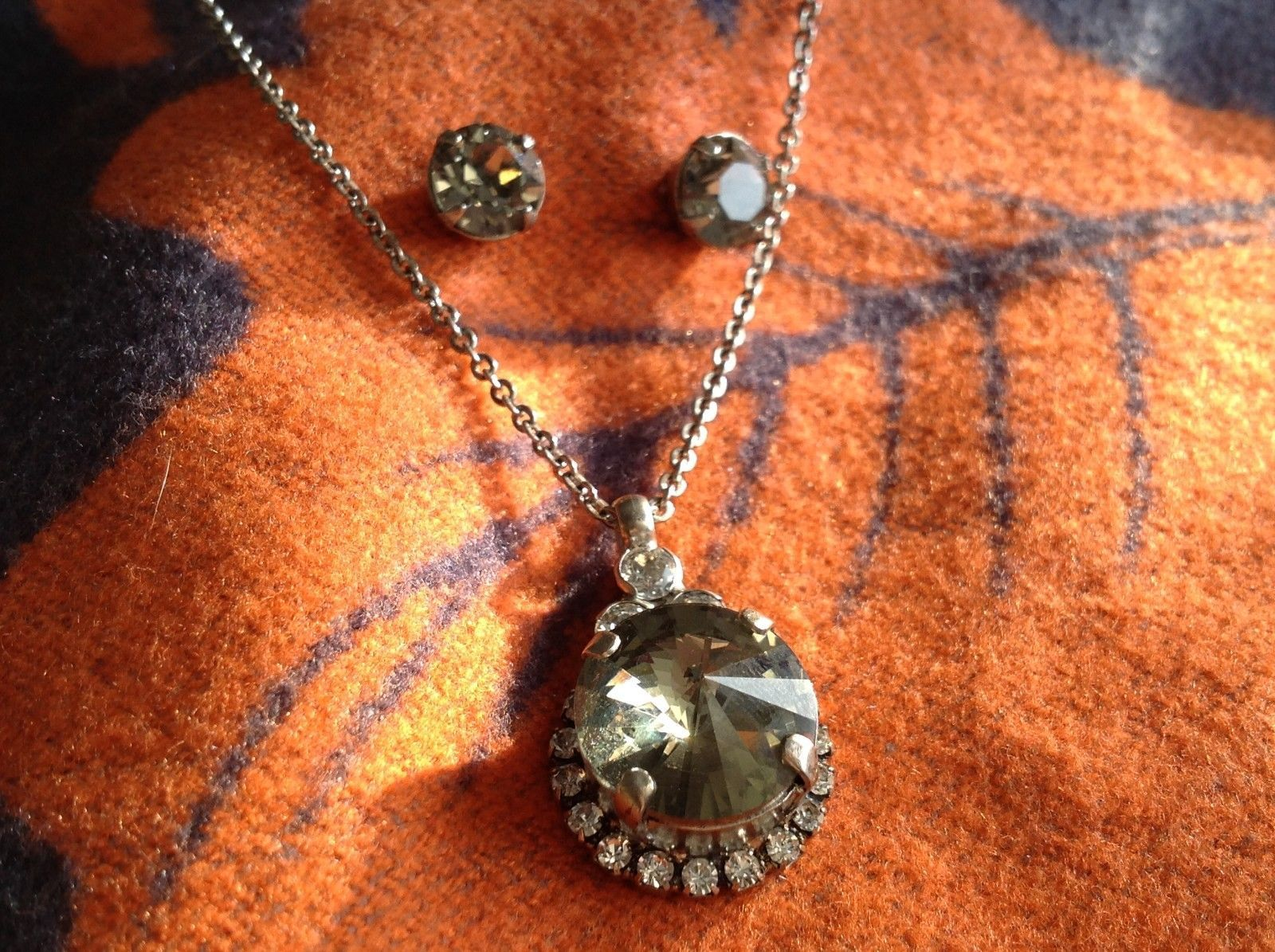 Classic Sorrelli Antique Style Matching Smoky gray Stud Earring and Necklace Set