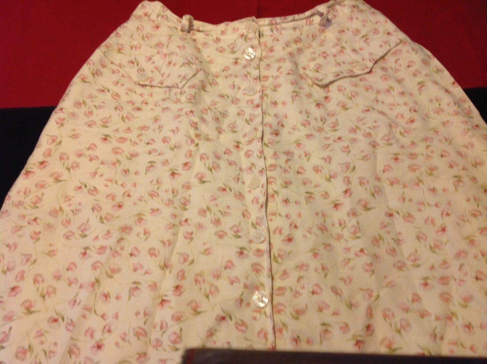 Classics of Ann Klein  Women's floral Skirt size 10 made in Hong kong