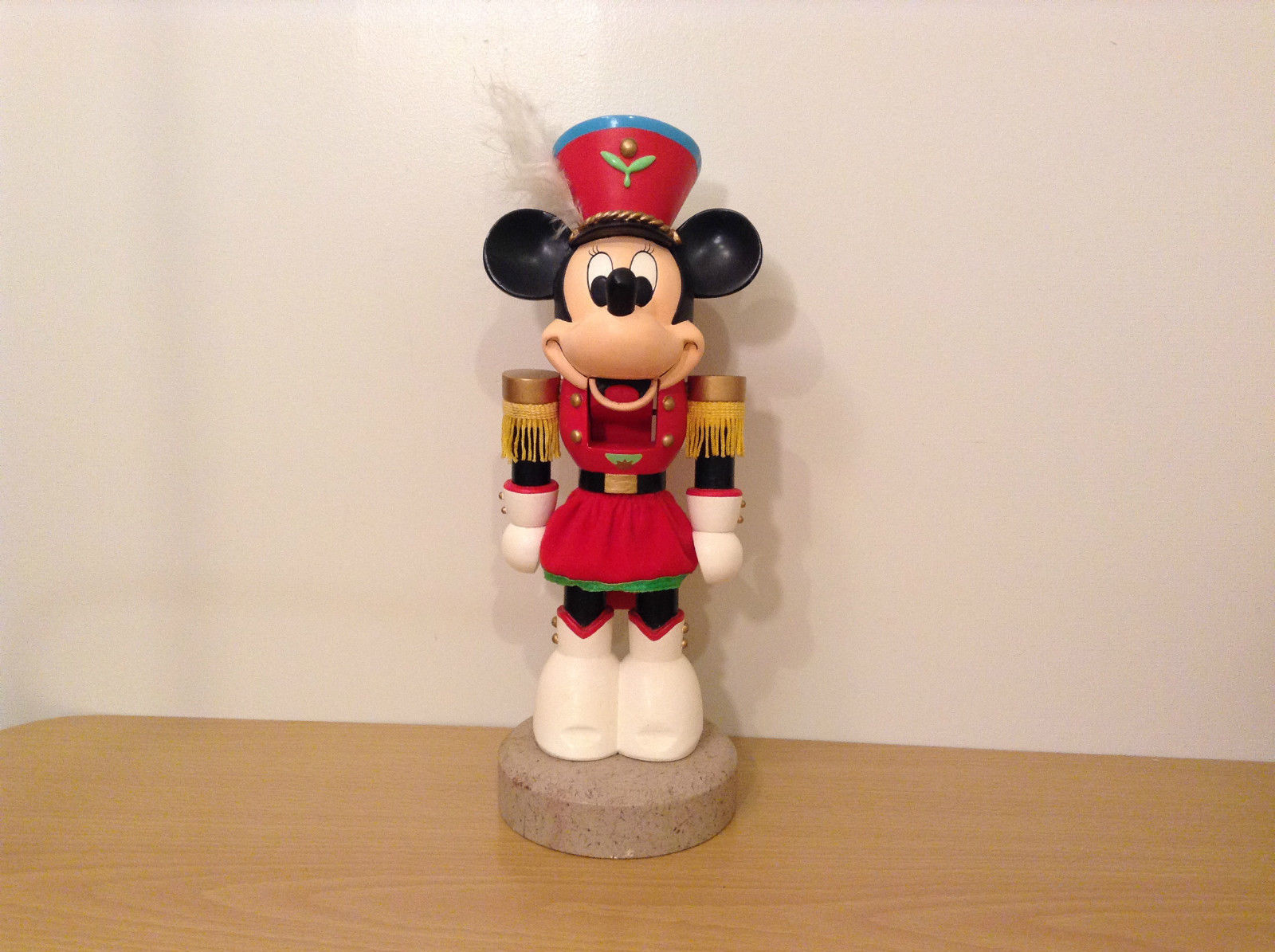 Collectable Decorative Nutcracker Minnie Figurine Walt 'Disney Company
