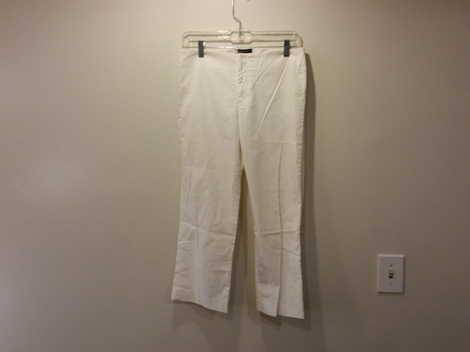Club Monaco Size 6 White Flat Front Casual Pants Two Back Pockets