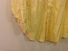 Brooks Brothers Soft Yellow 100% cotton Shirt, Size 16-1/2 (33), No pockets image 5