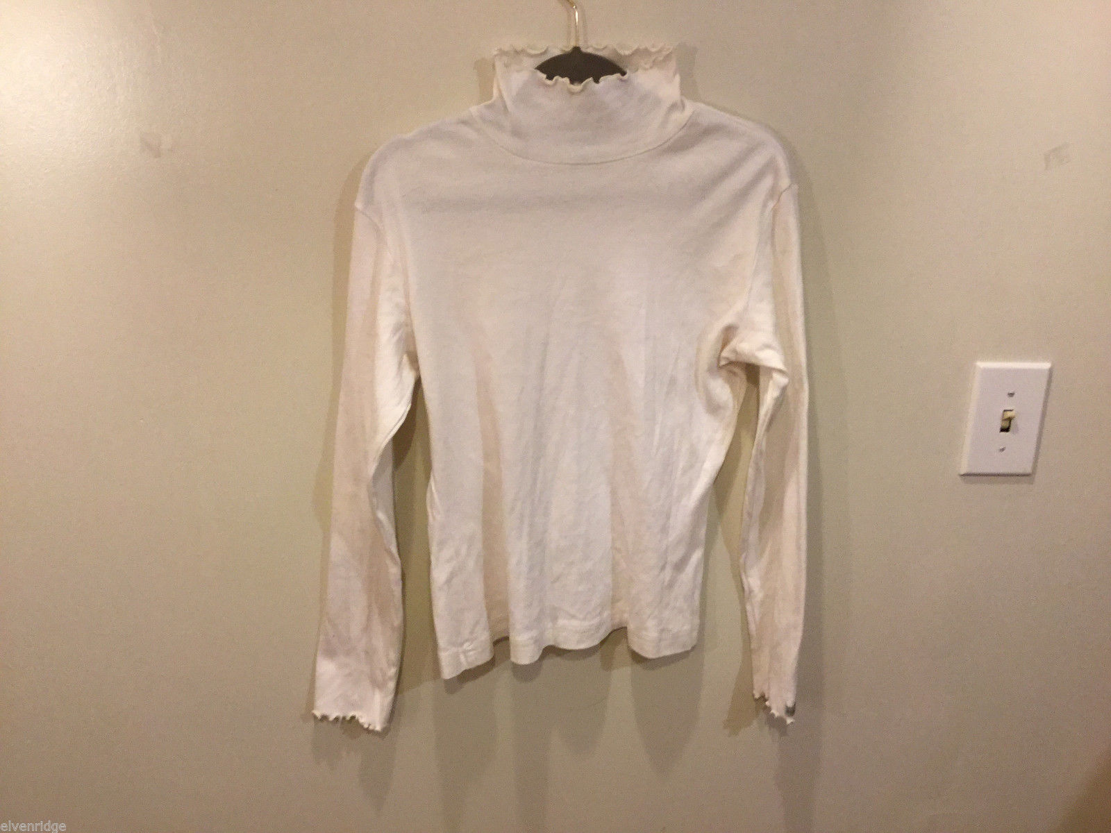 Columbia Womens 100% cotton White Turtleneck Sweater, Size M