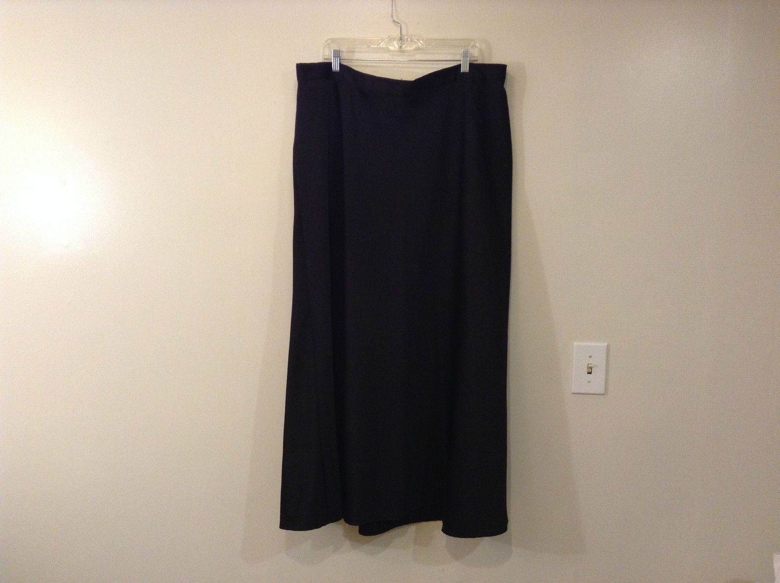 Connected Woman Black Satin Skirt Size 24W Back Zipper Elastic Waist in Back