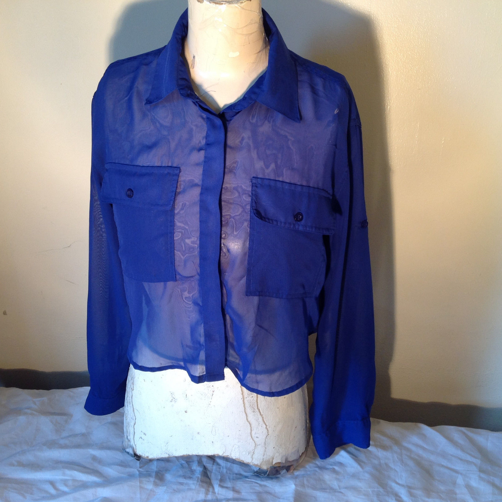 Cotton Express Pretty Blue Button Down Blouse 2 Front Pockets Long Sleeve Size M