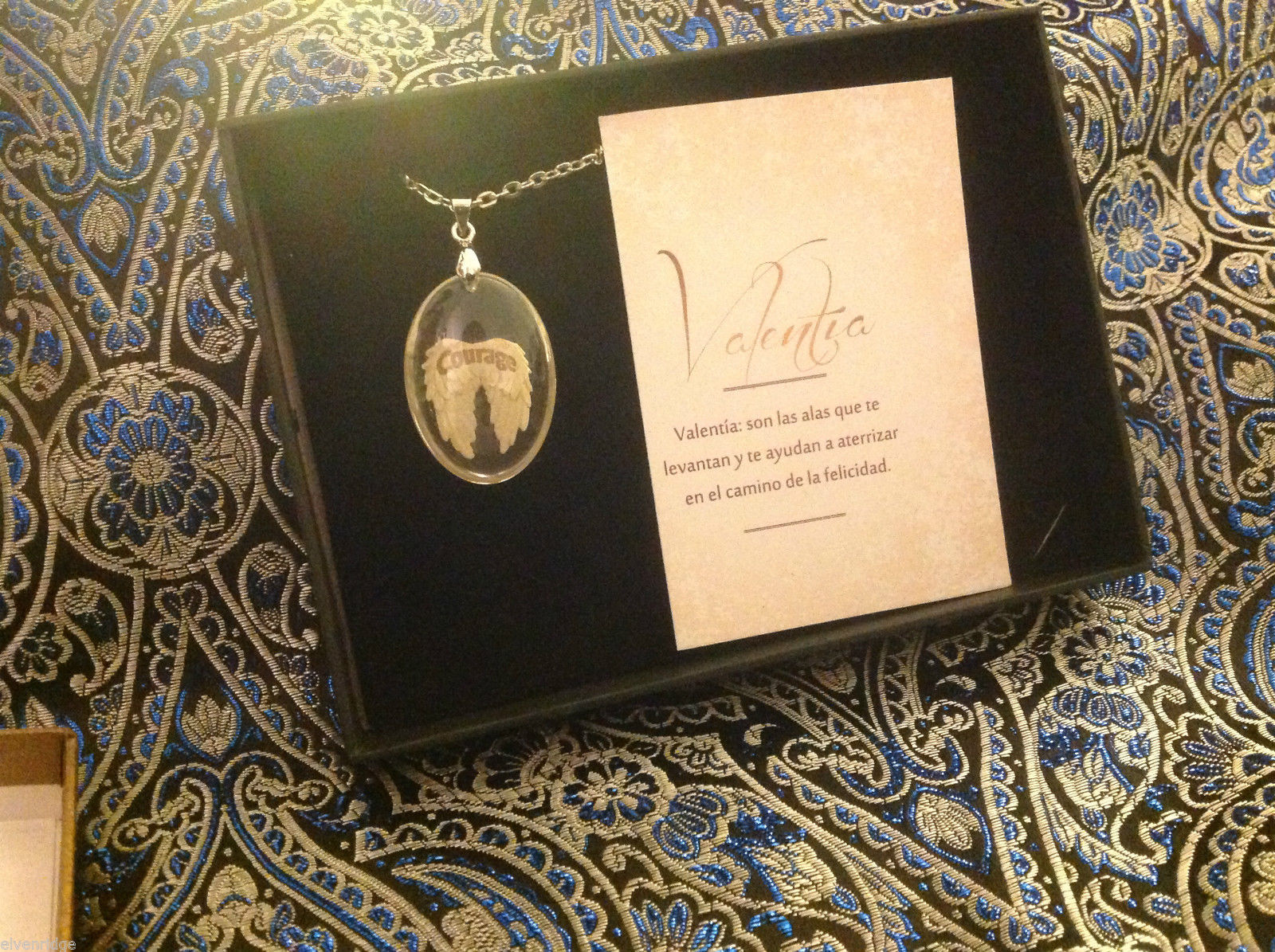 Courage Spanish Valentia angel wings pendant w saying in  Espanol w gift box