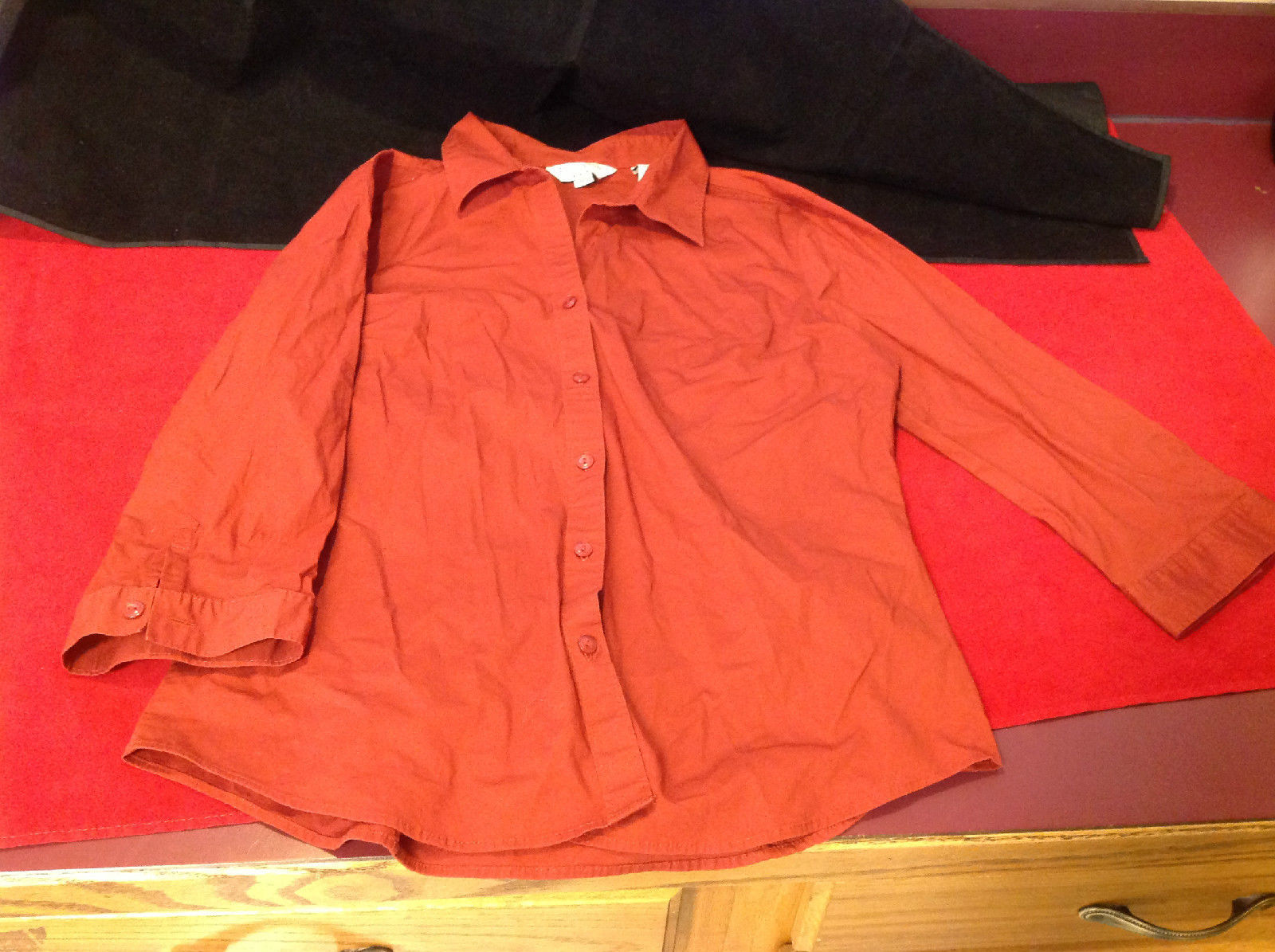 Covington Stretch Wine Colored Blouse Three Quarter Sleeves Button Cuffs Size 12