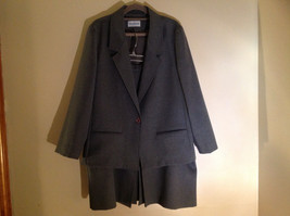 Cricket Lane Gray Skirt and Jacket Set Jacket has 1 Button to Close Size 18