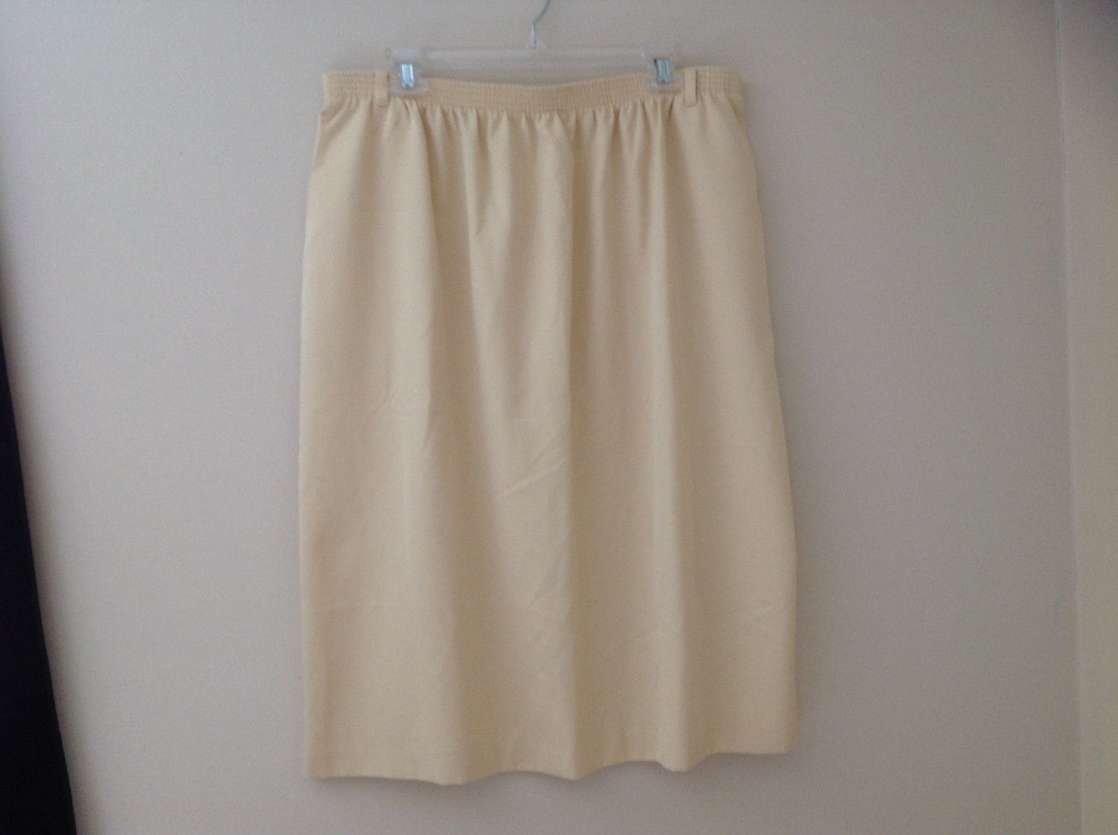 Creme Yellow Mid Length Skirt Elastic Waistband Belt Loops Alfred Dunner Size 20