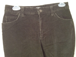 Casual Green Pants by St Johns Bay Stretch Front and Back Pockets Size 6 image 3