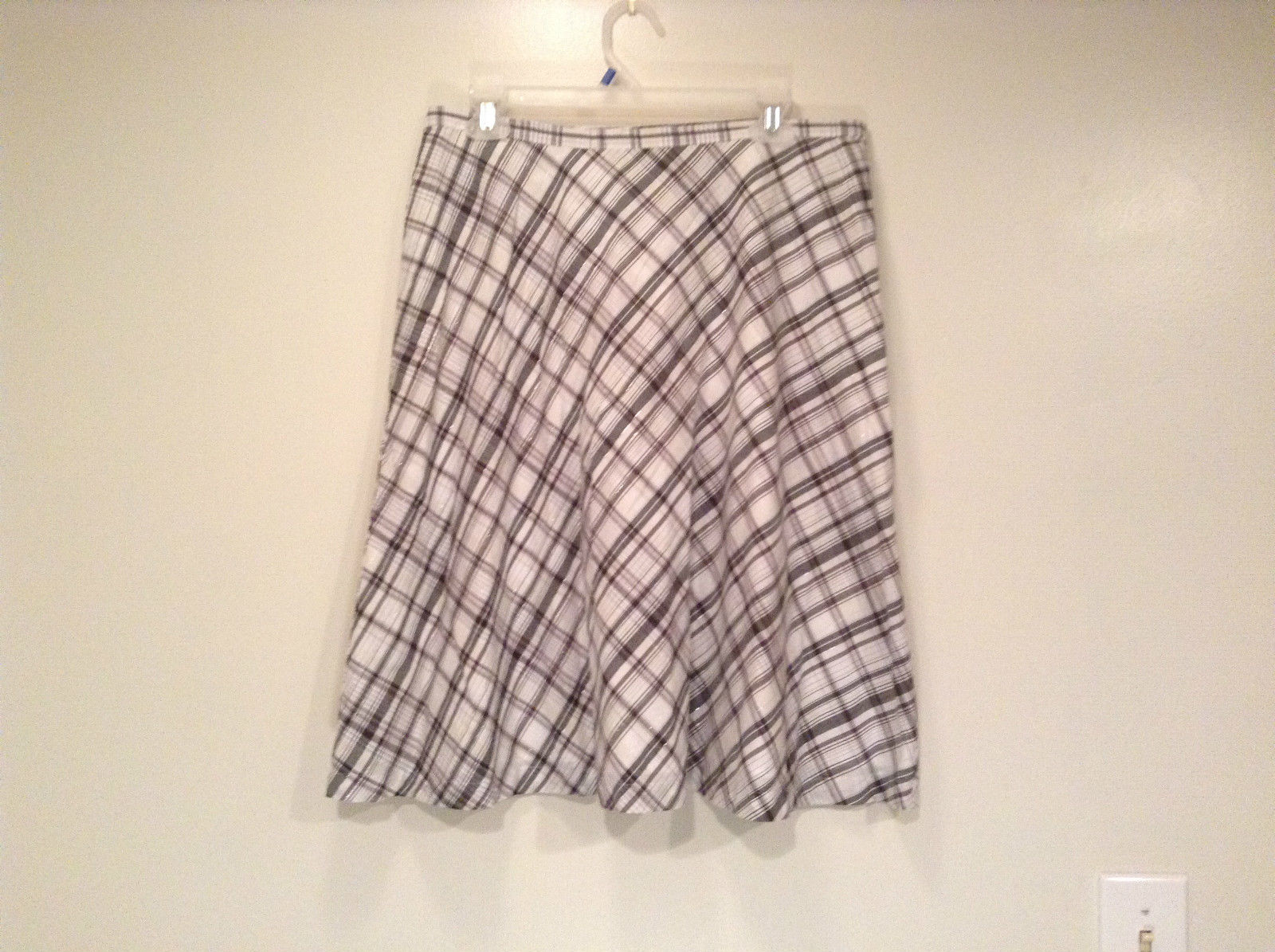 Cute Black and White Plaid Fully Lined Skirt Size 10 New York and Company