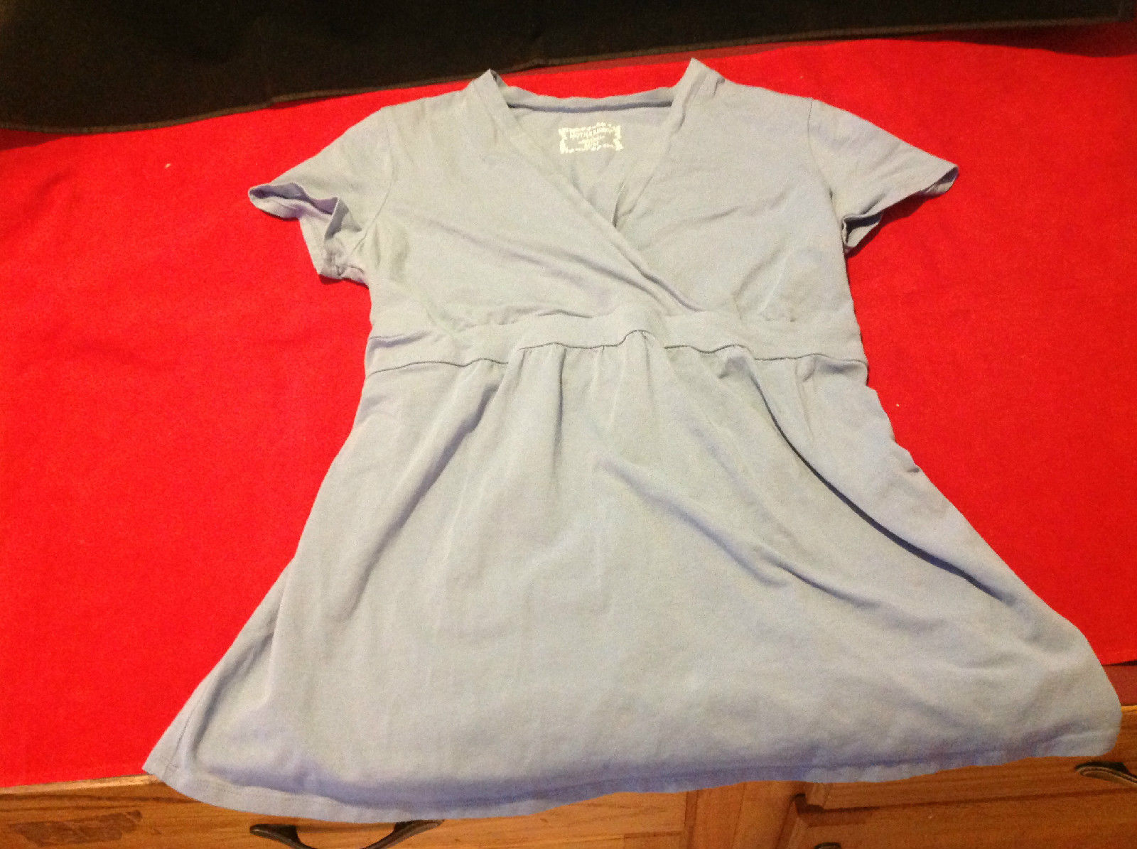 Cute Motherhood Maternity Short Sleeve Light Gray Top Size Medium