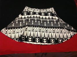 Cute Charlotte Russe Ladies Short Black & White Skirt with Patterns Size Medium