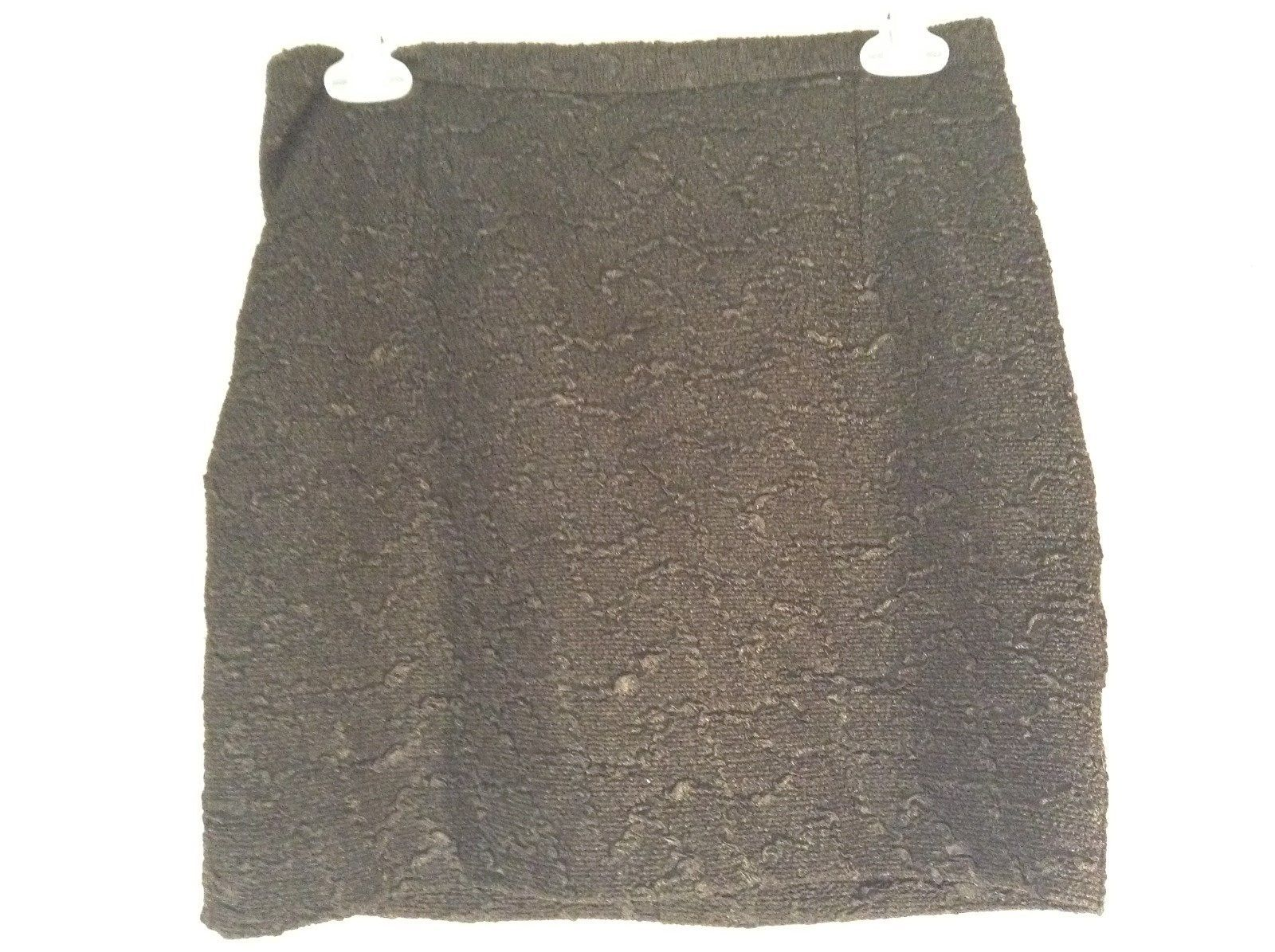 Cute Jet Black H and M Size 8 Skirt with Relief Pattern Gold Tone Front Zipper