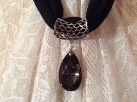 Dark Clear Droplet Shaped Glass Reflective Crystals Scarf Pendant