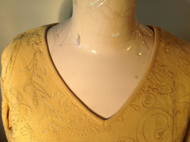 Chicos Gold Yellow V Neck Top Three Quarter Length Sleeves Size 1 image 8