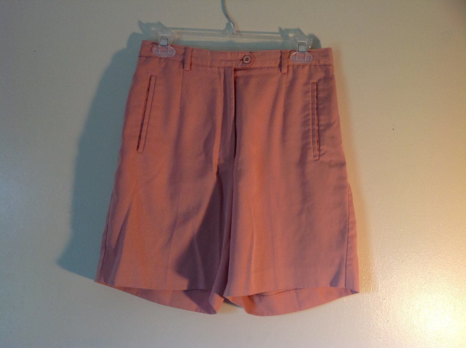 Cutter Buck Light Pink Size 6 Dress Shorts Button Zipper Closure 2 Front Pockets