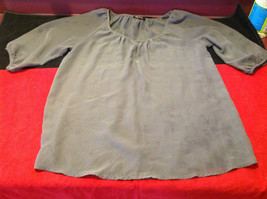 Daisy Fuentes Womens Gray Blouse 22 Inch W 26 Inch Long