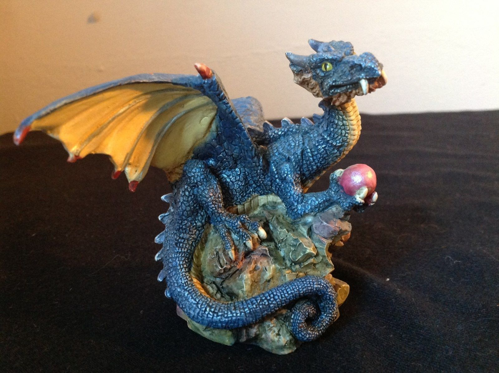Dark Blue Dragon Statue Holding Red Ball 98 WUI