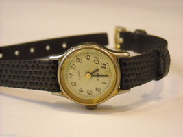 Collection of 11 vintage wrist watches with bands image 6