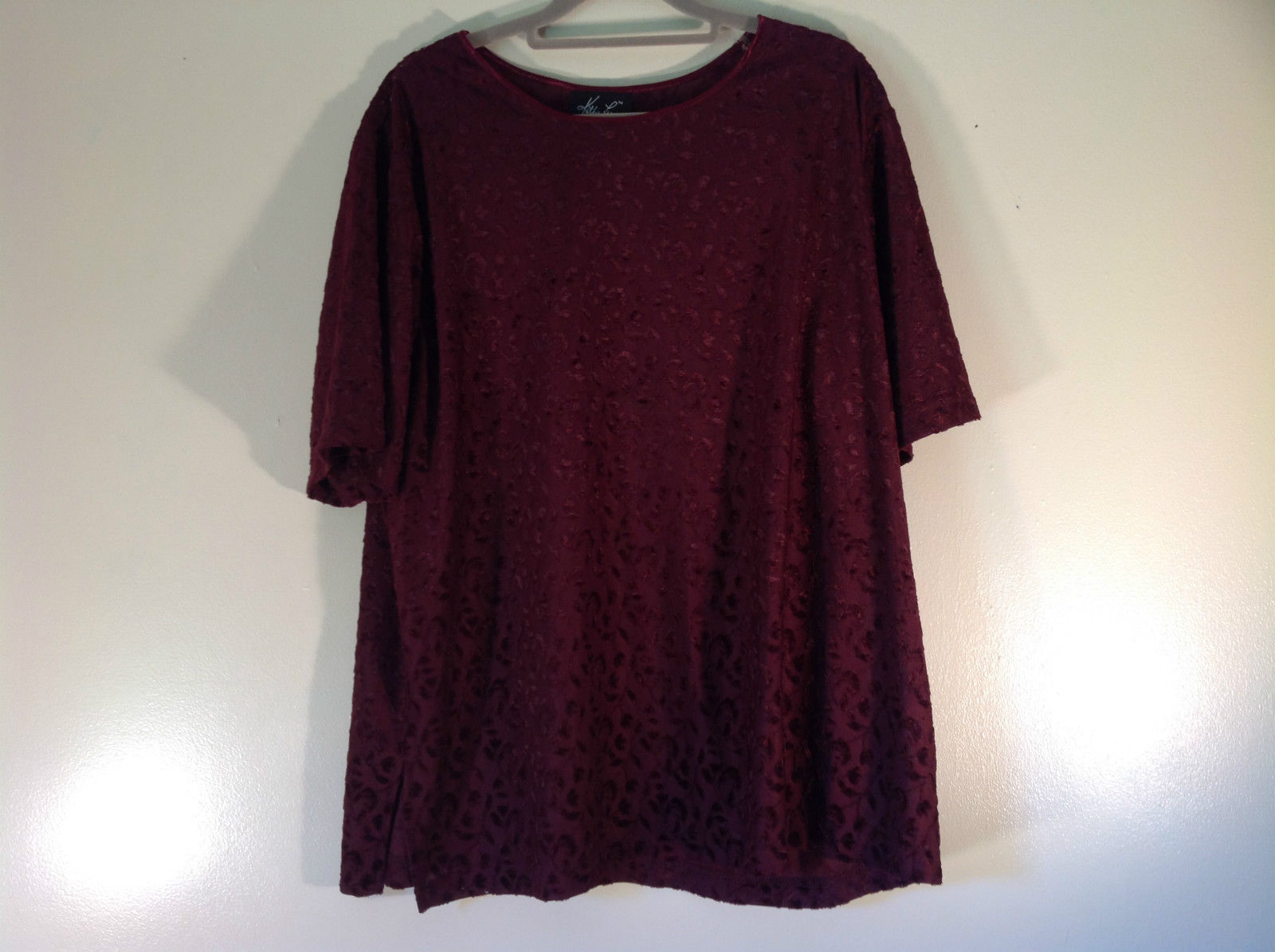 Dark Burgundy Kathie Lee Top Floral Pattern Size 18W to 20W Excellent Condition
