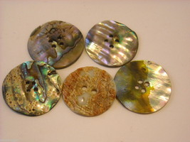Collection of vintage buttons various materials shades of green image 4