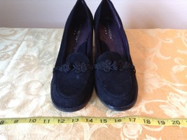 Covington Closed Toe Black Heels Size 9M image 2