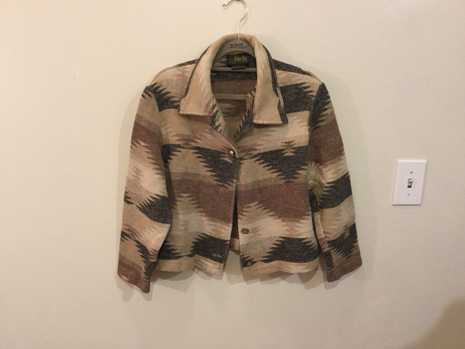 David Paul Womans Cropped Patterned Jacket, Size Medium