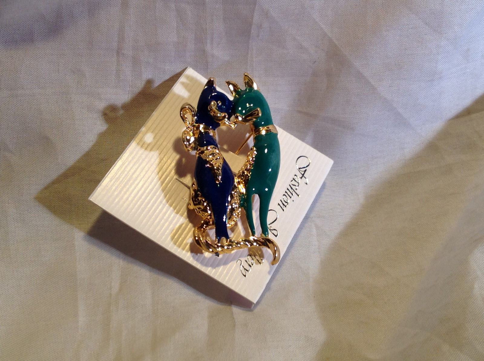 Dazzling Gold Tone Blue and Green Cats Pin Clasp Closure