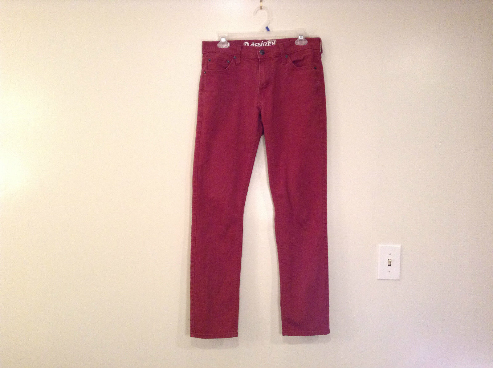 Denizen from Levis 216 Skinny Red Straight Leg Jeans Size W29 L32 Pockets