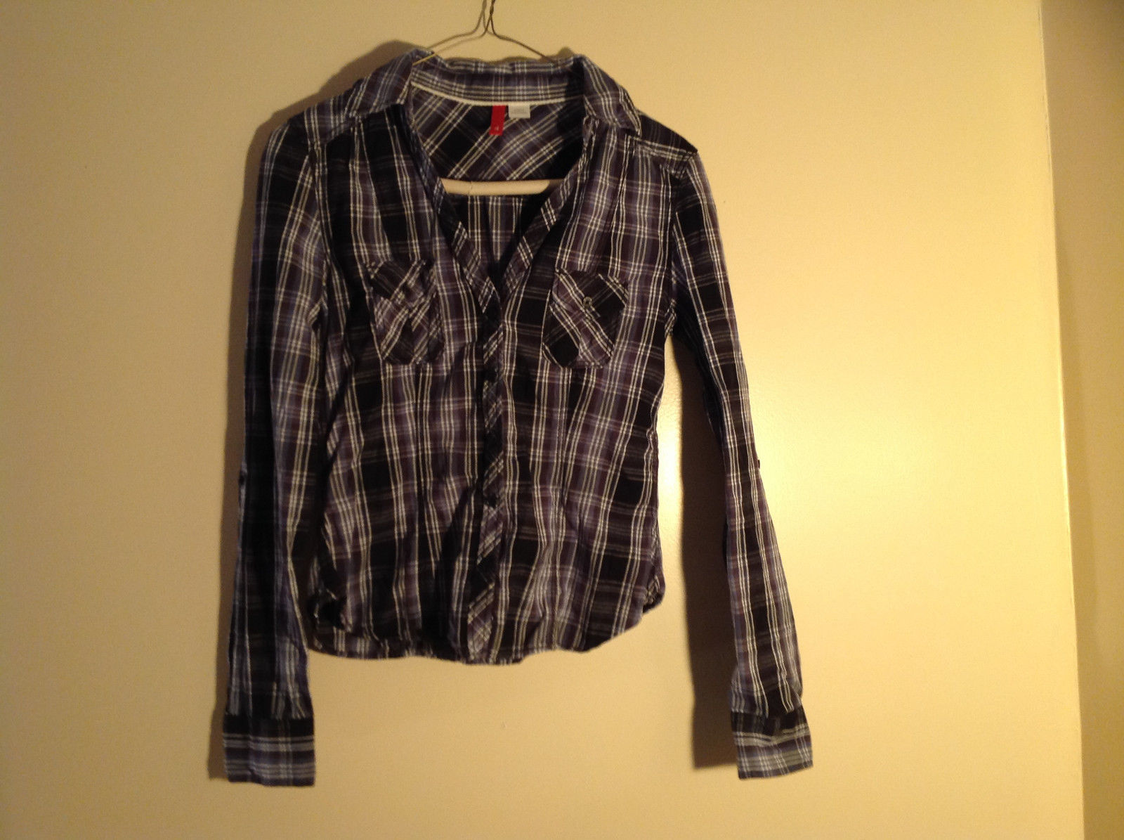 Divided Juniors Fitted Blue Black White Plaid Button Up Long Sleeve Shirt Size 4