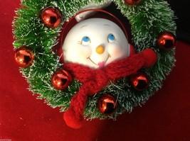 Department 56 Ceramic Snow girl w lipstick ornament in wreath smiling