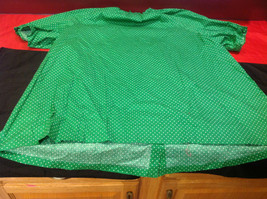 D & Co. Ladies Size 3X Short Sleeve Blouse Green with White Polka Dots image 8