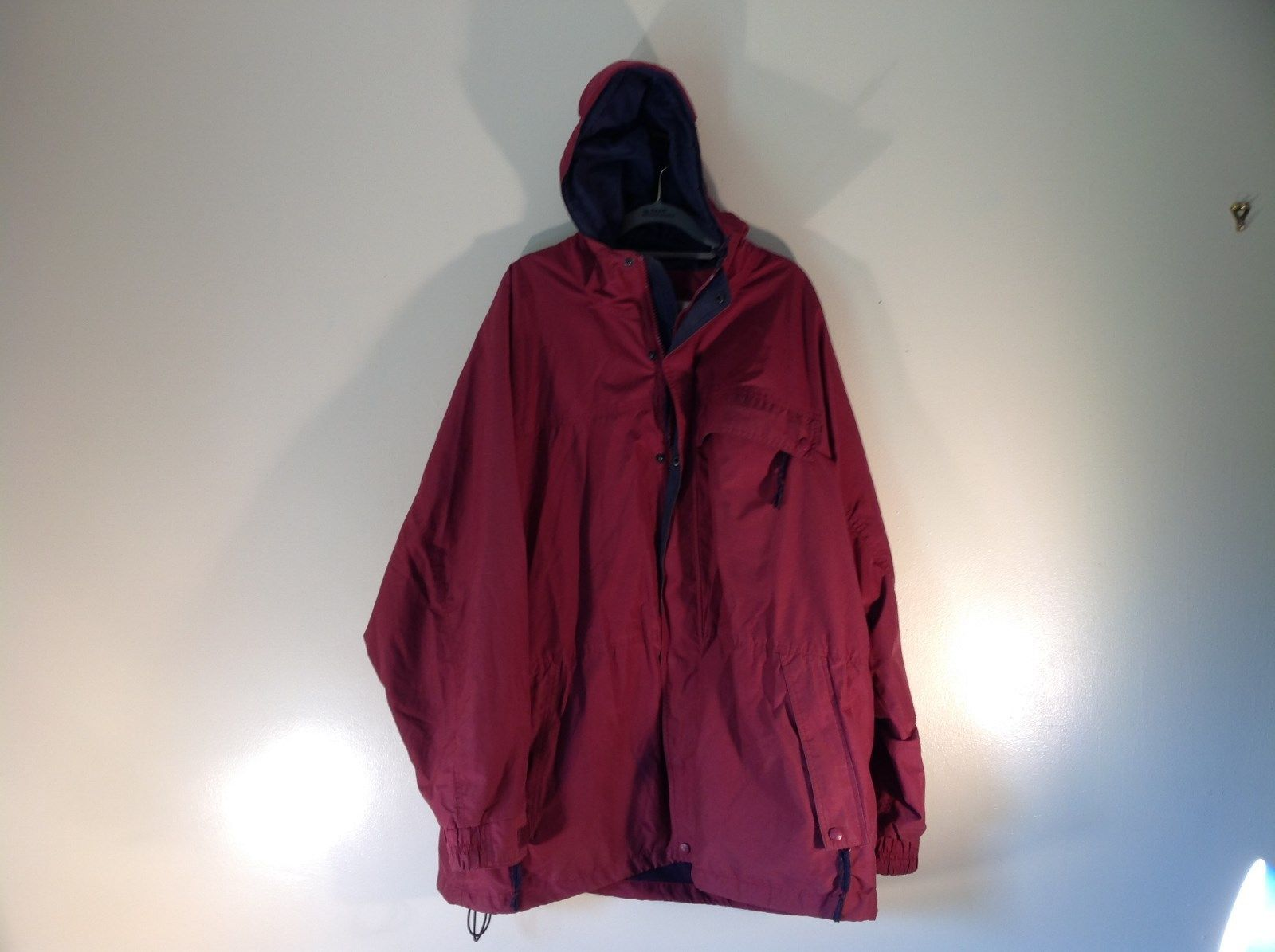 EMS Burgundy Zipper Closure Hood Hiking Camping Jacket Size XL 3 Front Pockets