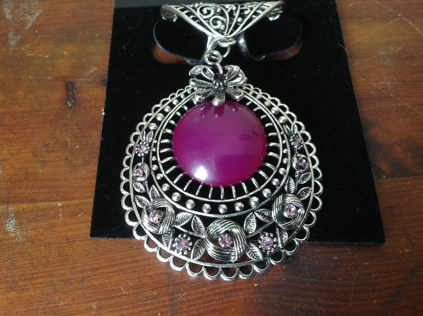 Elegant Large Round Purple Stone Small Violet Crystals Scarf Pendant Silver Tone