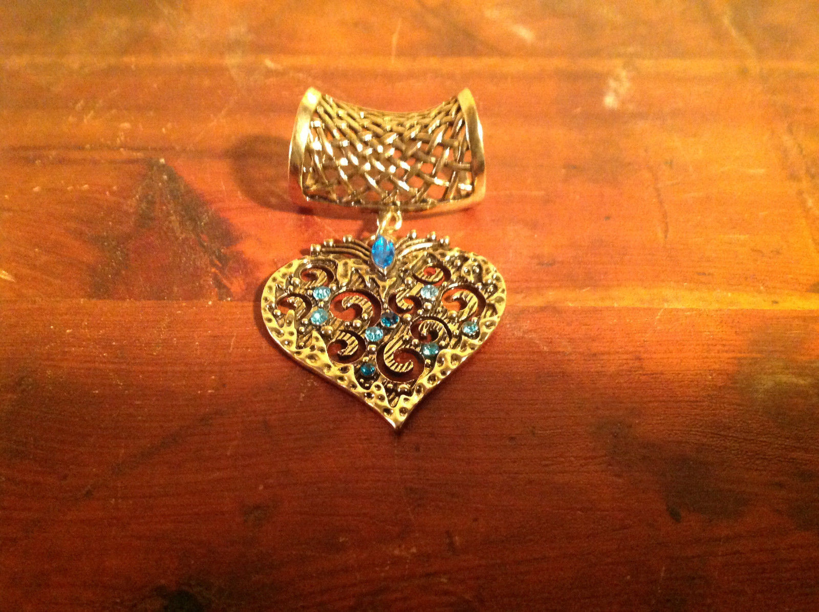 Elegant Blue Crystals Heart Shaped Gold Tone Scarf Pendant by Magic Scarf