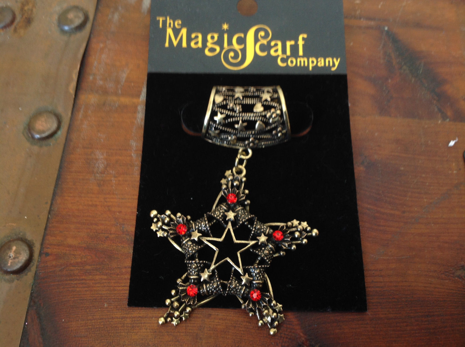 Elegant Gold Tone Star Shaped with Red Crystals Scarf Pendant by Magic Scarf