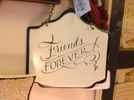 Enameled Sign white with black letters Friends Forever with small heart