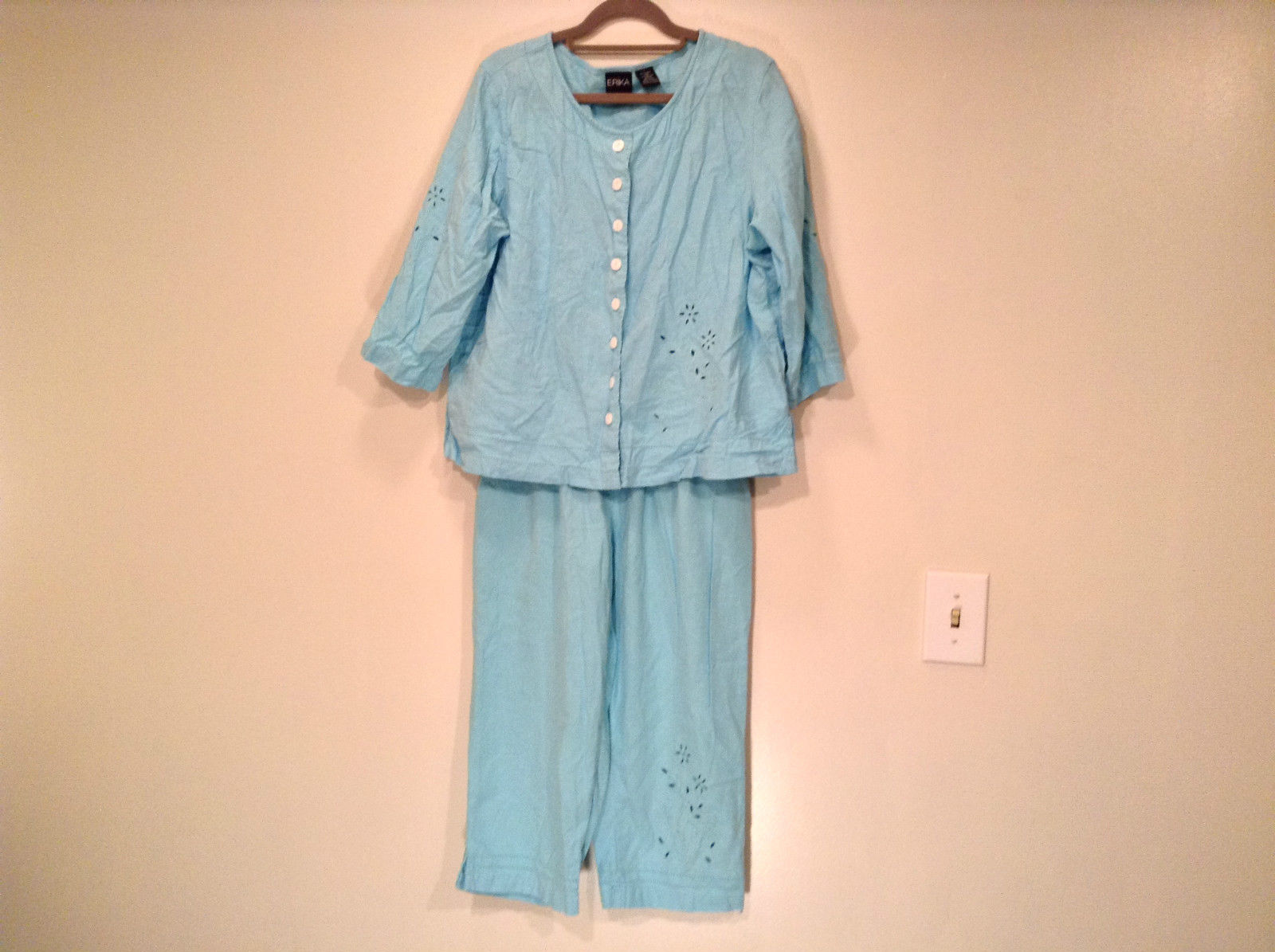 Erika Size Large Turquoise 2 pc set linen casual Cut Out Flower filigree