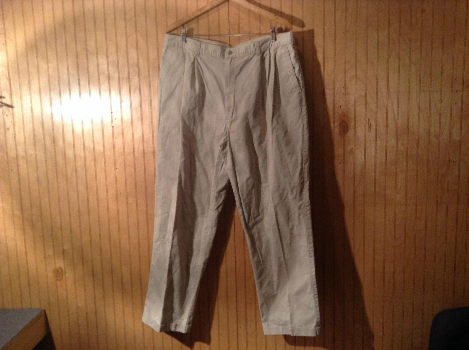 Dockers Classic Khakis Casual Pants Zipper Button Closure Size W40 by L32