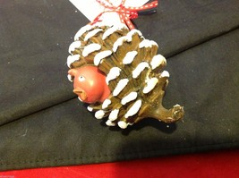 Department 56 ornament cute Pine Cone with Red bird peeking out from inside image 6