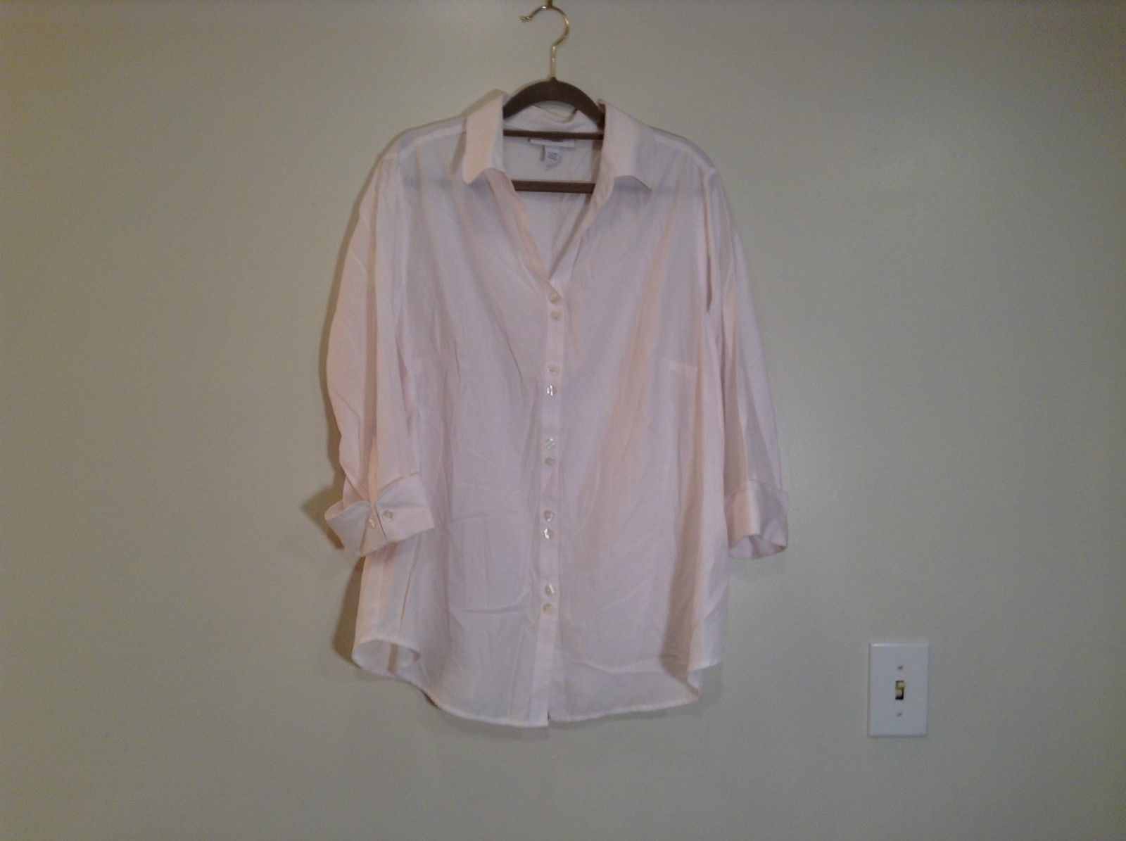 Dressbarn White Button Up Front Shirt Three Quarter Length Sleeves Size 14 to 16