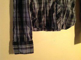 Divided Juniors Fitted Blue Black White Plaid Button Up Long Sleeve Shirt Size 4 image 4