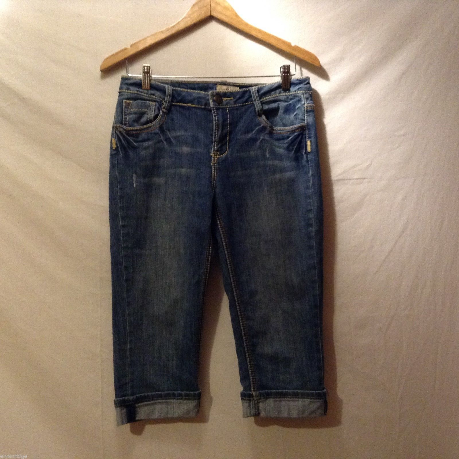 Earl Jean Womans Denim Capris, Size 6