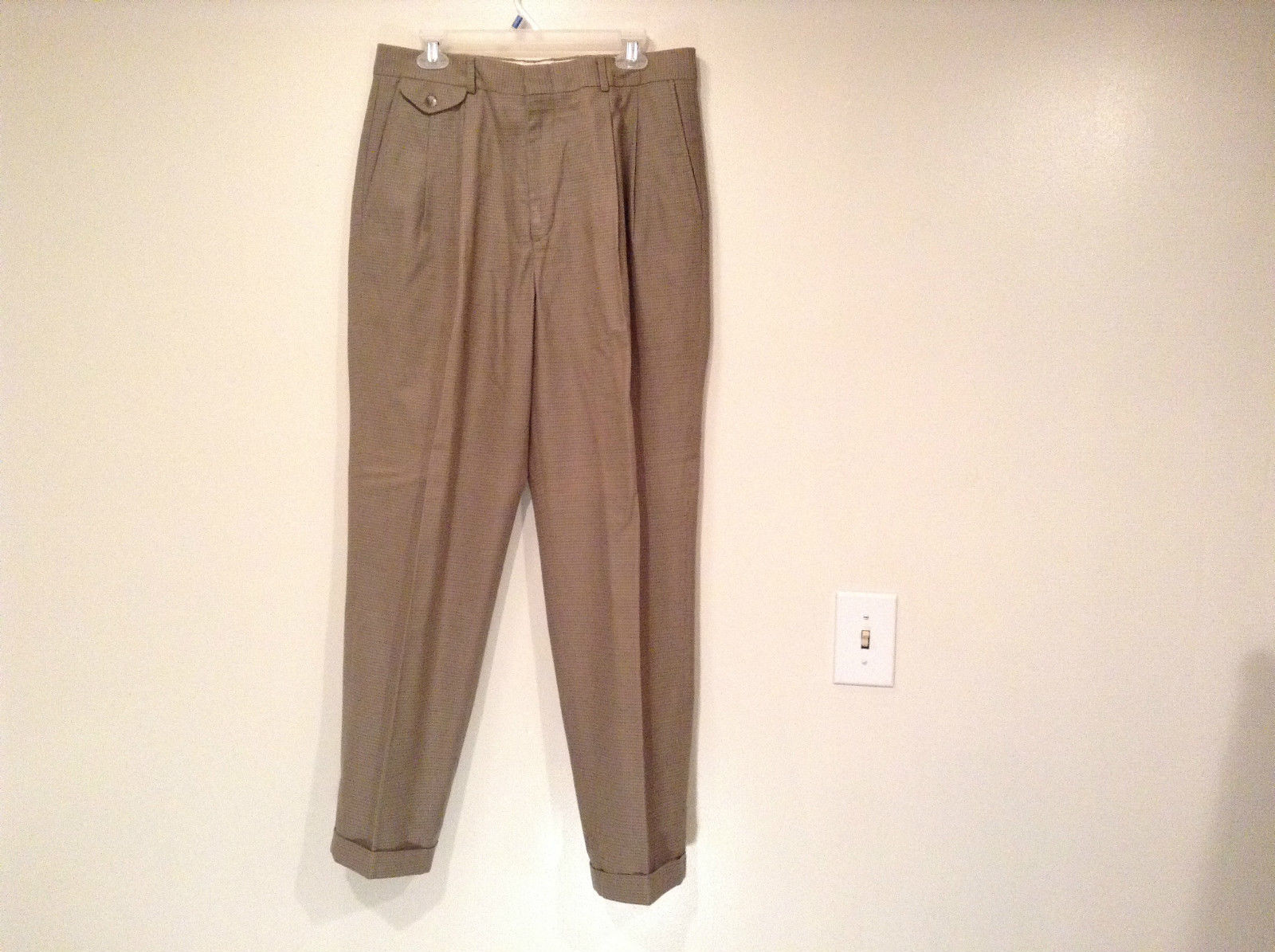 Eddie Bauer Light Brown 100 Percent Cotton Pleated Front Dress Pants Size 33W