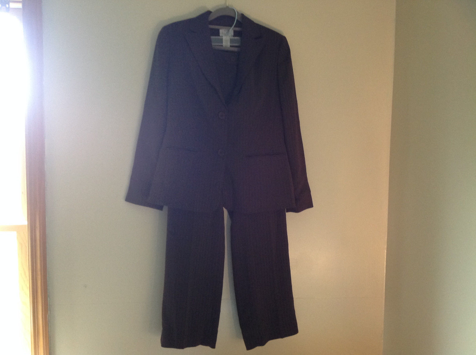 Elegant Matching Brown Pin Striped Pant Suit by Ann Taylor Loft Size 2 Petite