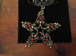 Elegant Gold Tone Star Shaped with Red Crystals Scarf Pendant by Magic Scarf image 2