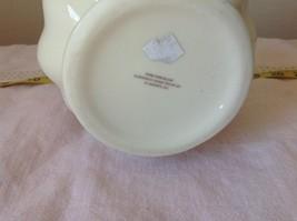 Fine Porcelain European Home Decoration by JS Imports Glass Creamy White Basket image 6