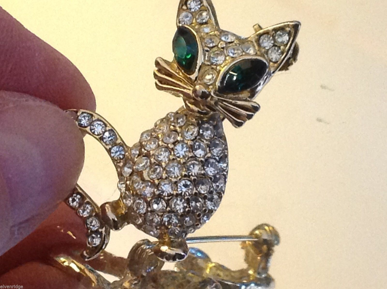 Fabulous Cat w green eyes colored rhinestone and crystal brooch pin